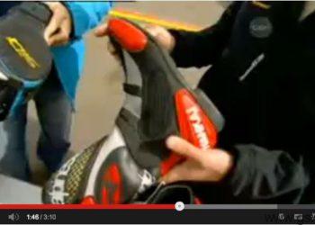 video equipacion ropa competicion motociclismo