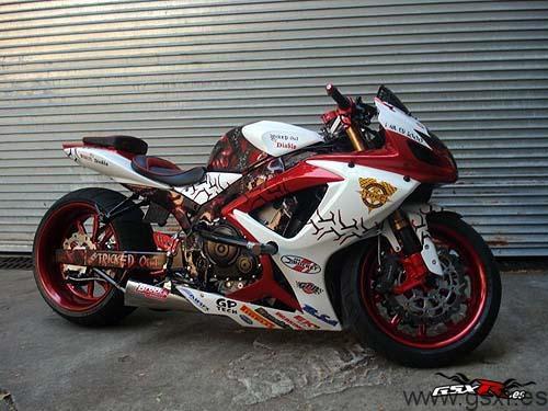 La moto Suzuki GSX-R Diablo de Tricked Out para Stunters