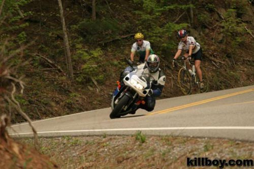 fotografias motos suzuki gsxr en carretera