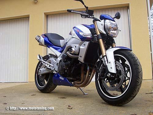 Suzuki GSR 600 a lo Suzuki Racing GSX-R