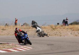 suzuki gsxr 1000 crash volando circuito