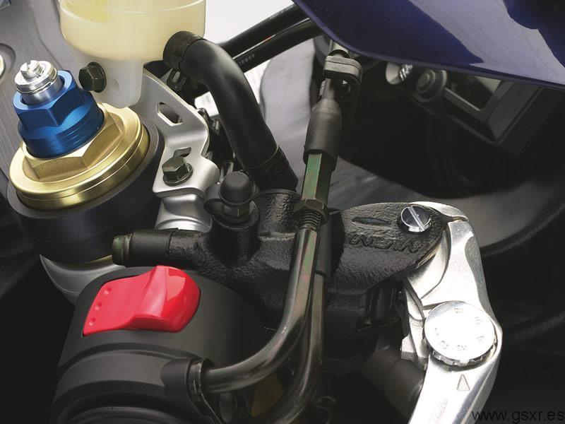 Suzuki GSX-R 750 2004 K4