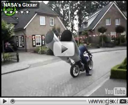 Pedazos de escapes en esta moto Suzuki GSX-R
