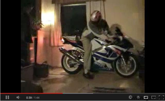 video burn out casa suzuki gsxr 1000