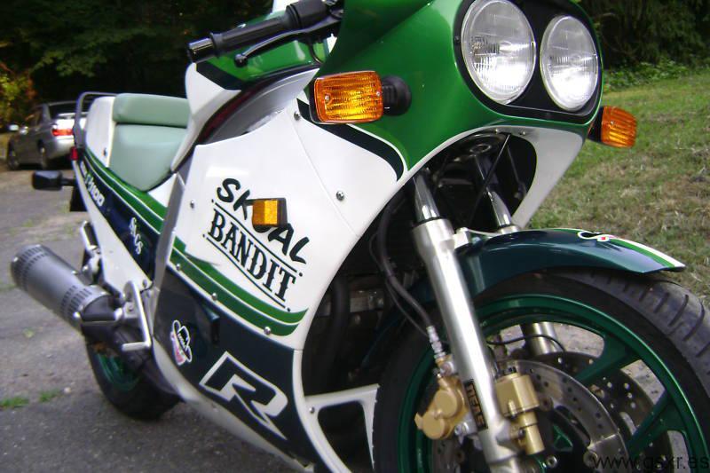 Suzuki GSX-R 1100 1986 skoal bandit