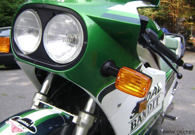 Suzuki GSX-R 1100 1986 skoal bandit frontal