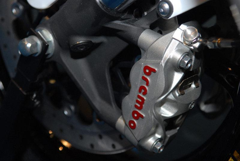 Pinza de freno Brembo M4X32 para motos Suzuki GSX-R 2011