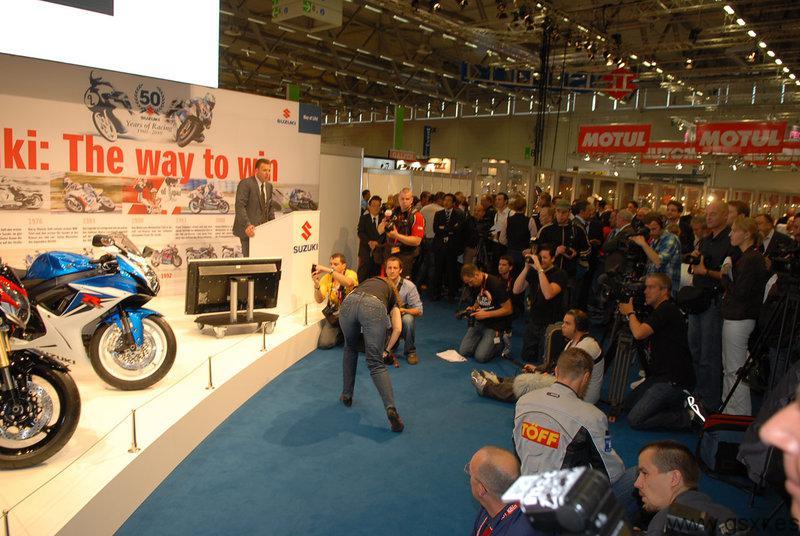 Suzuki GSX-R 750 2011 y Suzuki GSX-R 600 2011 en Intermot 2010 Colonia