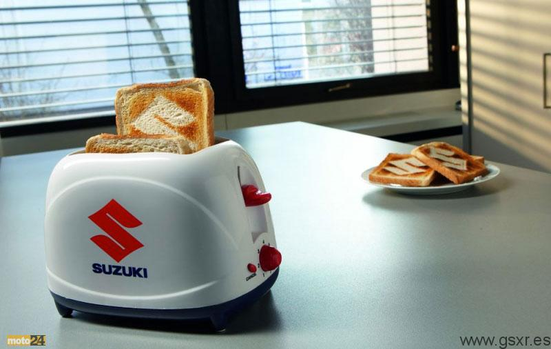Tostadora logo Suzuki