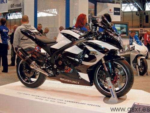 Suzuki GSXR 1000 2010 Ten - concurso Fast Bikes Magazine