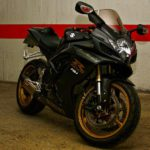 Suzuki GSXR 600 2007 black and gold