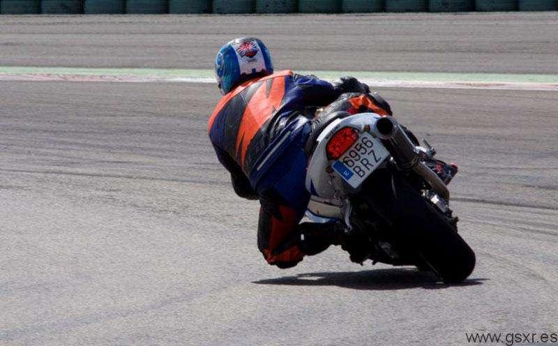 Pablo Rivas y Suzuki GSXR 600 2002
