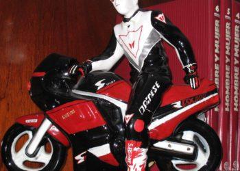 Moto Suzuki GSXR 1100 en ceramica