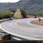 video accidente de moto suzuki gsxr contra el guardarrail