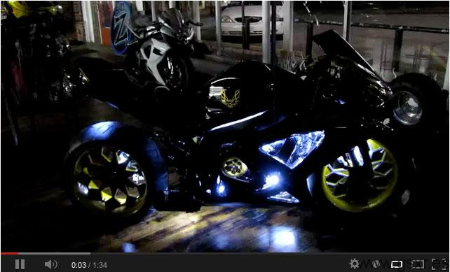 Video Suzuki GSXR 750 2008 Pontiac Trans Am