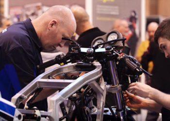 Suzuki GSX-R750F Motorcycle Live Restoration video