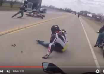 moto accidente camion perro video
